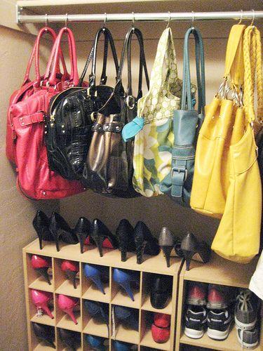 organizar-bolsos-en-el-armario