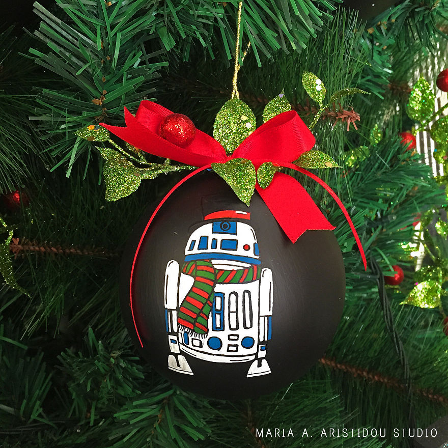 my-mom-let-me-decorate-the-christmas-tree-this-year-so-i-made-it-star-wars-style-17__880