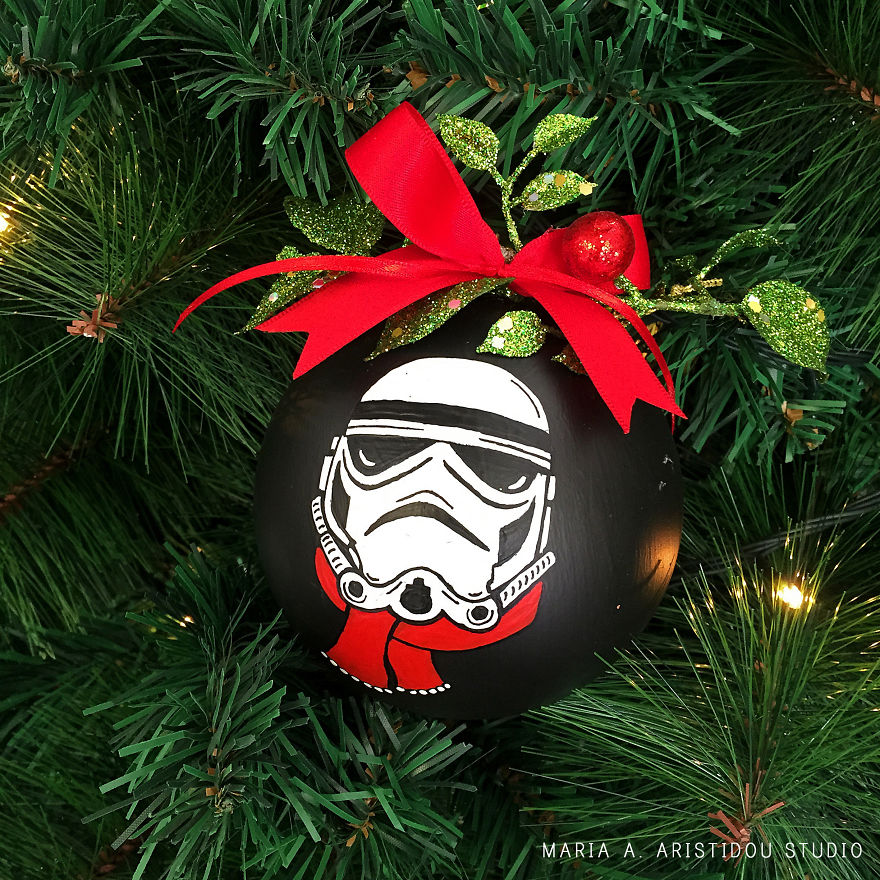 my-mom-let-me-decorate-the-christmas-tree-this-year-so-i-made-it-star-wars-style-20__880