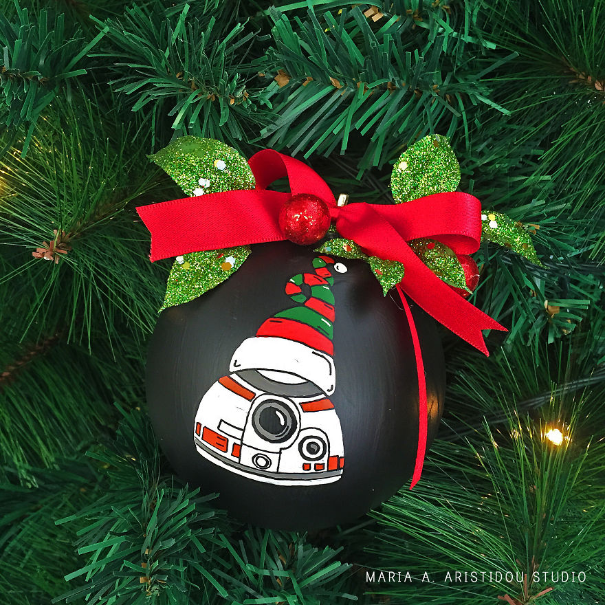 my-mom-let-me-decorate-the-christmas-tree-this-year-so-i-made-it-star-wars-style-23__880