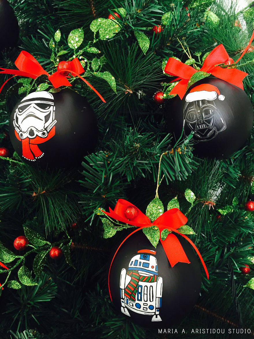 my-mom-let-me-decorate-the-christmas-tree-this-year-so-i-made-it-star-wars-style-24__880