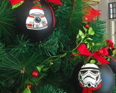 my-mom-let-me-decorate-the-christmas-tree-this-year-so-i-made-it-star-wars-style-25__880