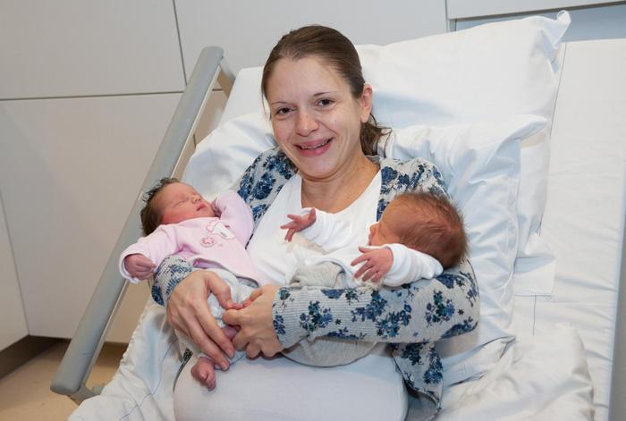 cuna-bebe-enganchable-cama-hospital-maternidad-1